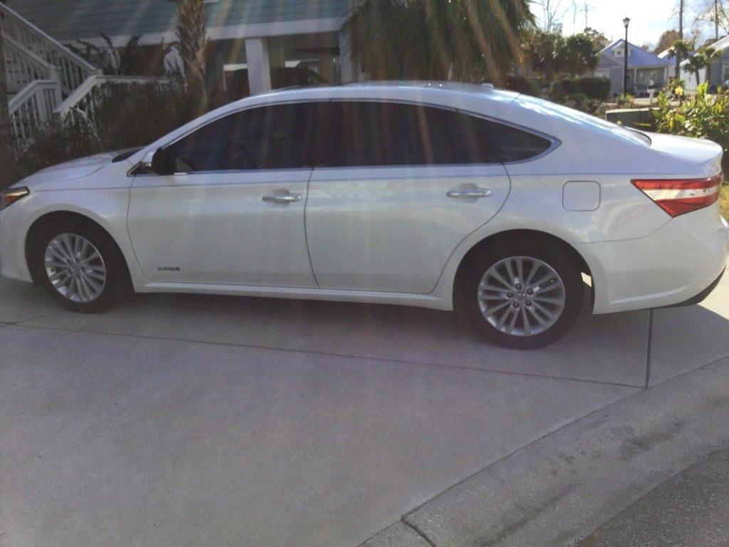 2014 Toyota Avalon Premium XLE Hybrid