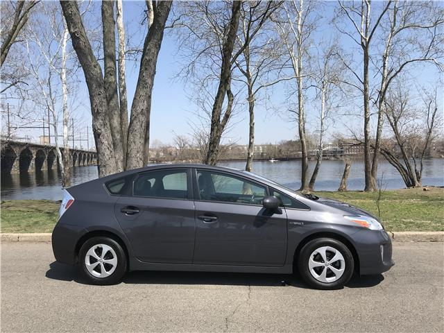 2013 Toyota Prius Five – VERY GOOD CONDITION